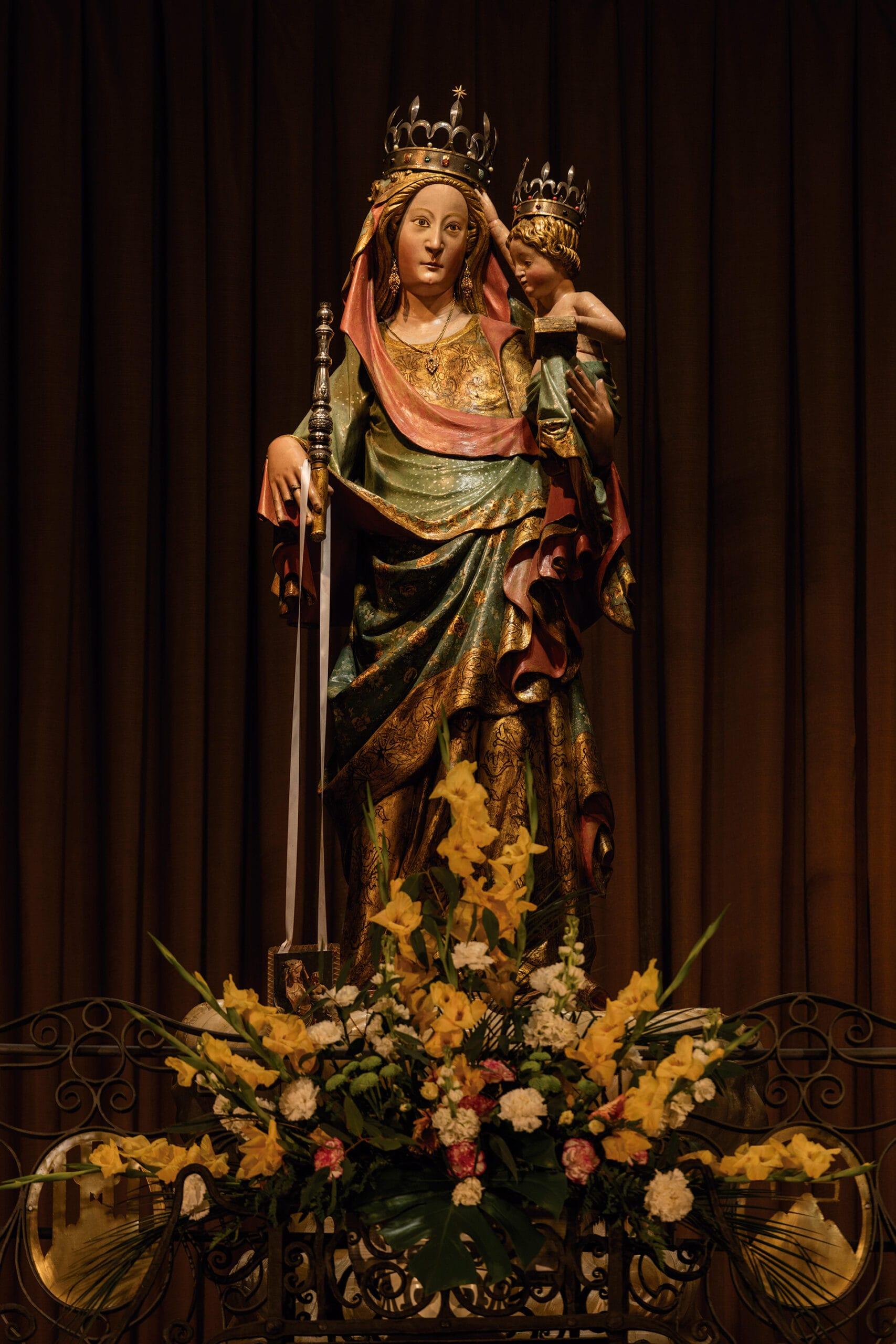El mirall de Montblanc. Imatge de la Mare de déu de la Serra.